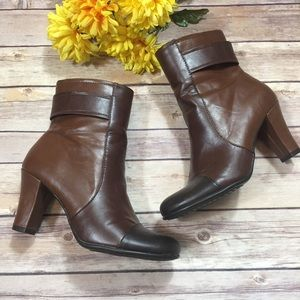 A2 by Aerosoles Two-Tone Brown Heeled Booties 7.5